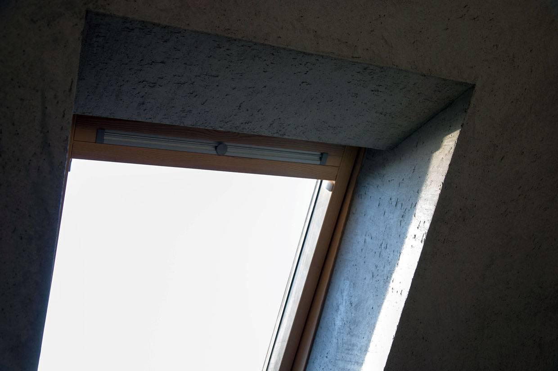 wnęka okienna, imitacja betonu wygląda realistycznie